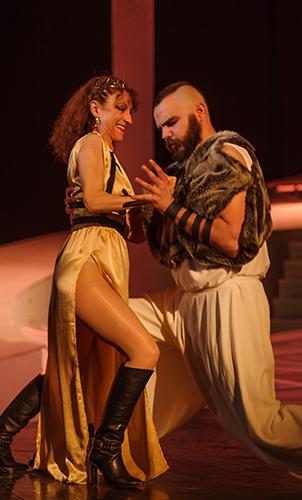 Visul unei nopti de vara, de William Shakespeare, regia Eugen Gyemant, Teatrul Dramatic Fani Tardini Galati